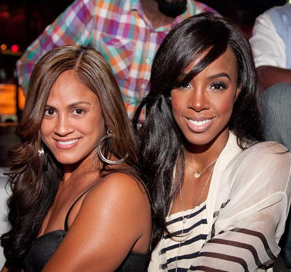 Kelly Rowland (right) with friend