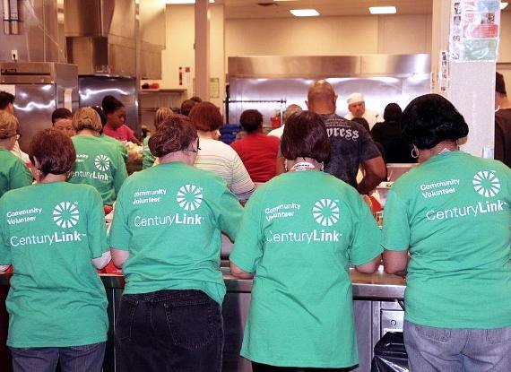 CenturyLink community volunteers at work