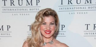 """Emily West of """"America's Got Talent"""" Holds Exclusive Performance at DJT Lounge at Trump Int'l Hotel Las Vegas"""