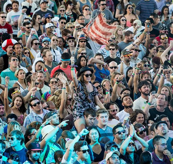 Crowd at Life is Beautiful Day 2