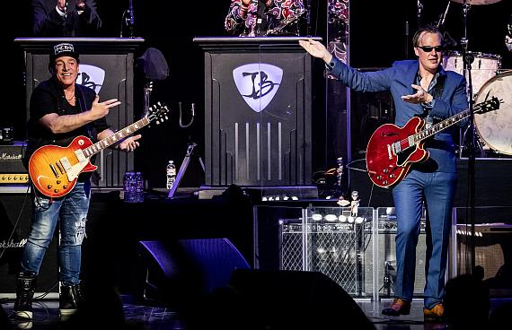 Neal Schon and Joe Bonamassa Guest on Each Others Shows in Vegas