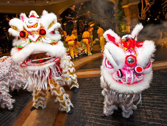 Lions and Dragon Dance at Wynn Las Vegas and Encore at Wynn Las Vegas