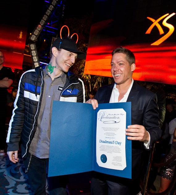 "Jesse Waits presents deadmau5 with official proclamation of ""deadmau5 Day"""