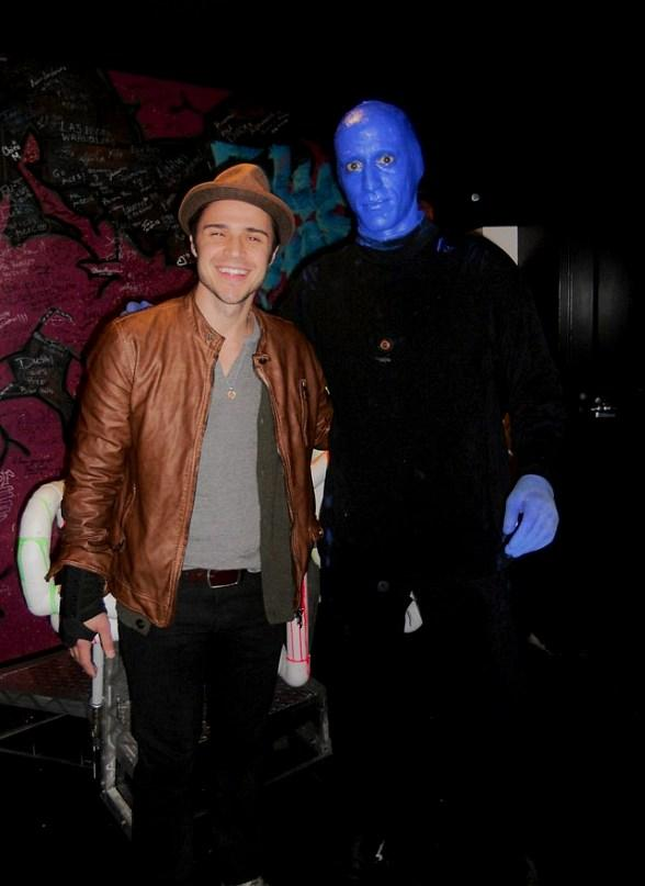 Kris Allen was spotted enjoying Blue Man Group