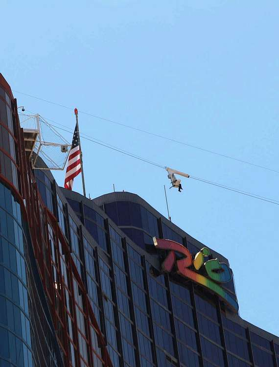 Street view of the VooDoo Zip Line going to the Ipanema Tower