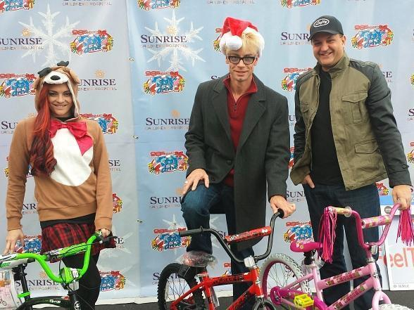Murray, Lefty & April donate to Chet Buchanan's Toy Drive