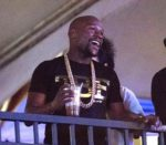 boxing-champion-floyd-mayweather-enjoys-tlc-concert-downtown-las-vegas-events-center-i-love-the-90s
