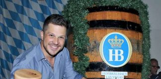 Oktoberfest Keg Tapping Festivities Continue at Hofbräuhaus Las Vegas with Entertainer Mark Shunock