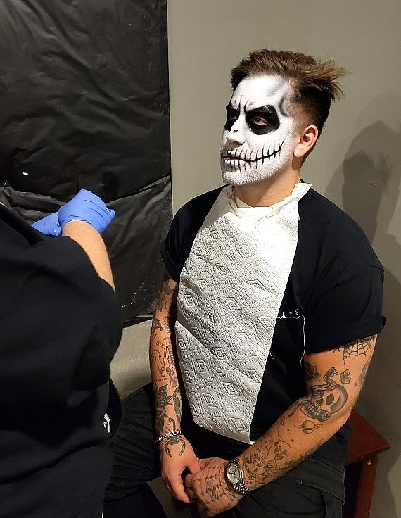 Kayzo gets his Halloween makeup