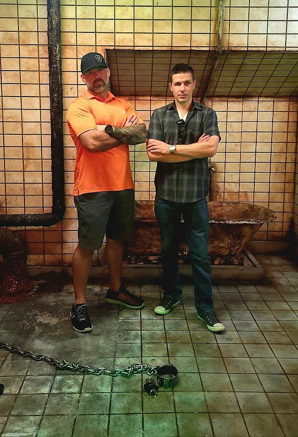 Jeff Spencer with horror mastermind Jason Egan, producer of The Official SAW Escape