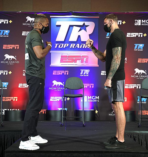 Light Heavyweight Thunder: Alvarez and Smith Ready for Saturday Night Showdown