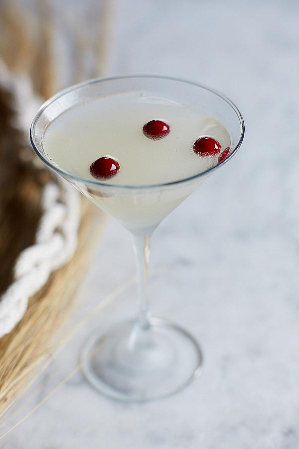 Bonefish Grill Debuts Killer Cocktail for the Week All About Sharks | The Sharktini Recipe