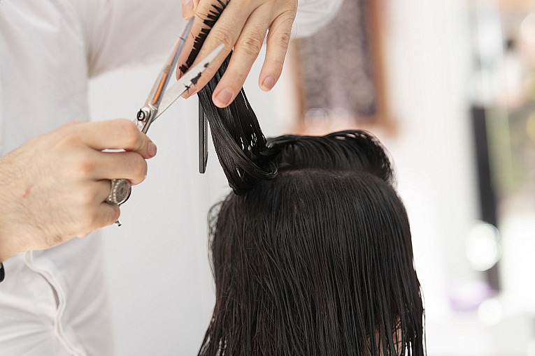 Unable to Visit the Salon? Here's the Perfect Alternative!