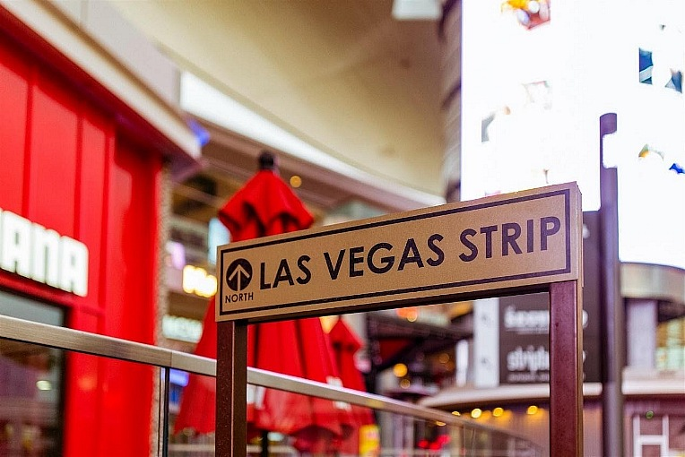 Vegas Strip Reopened but Revenues Still Recovering