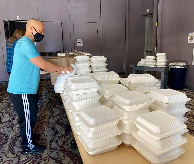 Community Chef Thanksgiving Event at LGBTQ Center of Southern Nevada
