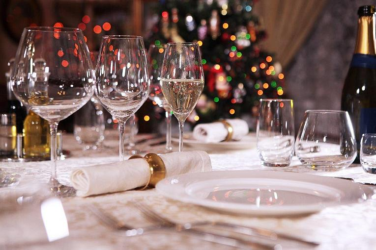 Safe, Festive Ways to Celebrate the Holidays at the Plaza Hotel & Casino and Oscar's Steakhouse