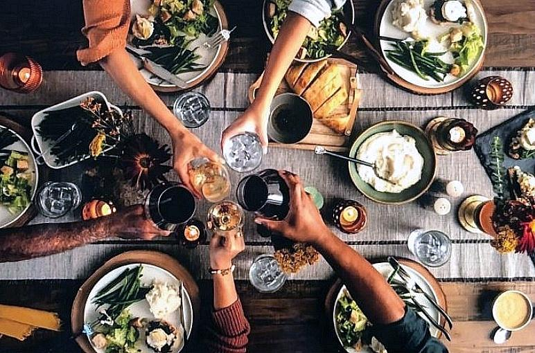Bonefish Grill Celebrates the SEA-son with New Holiday Offerings
