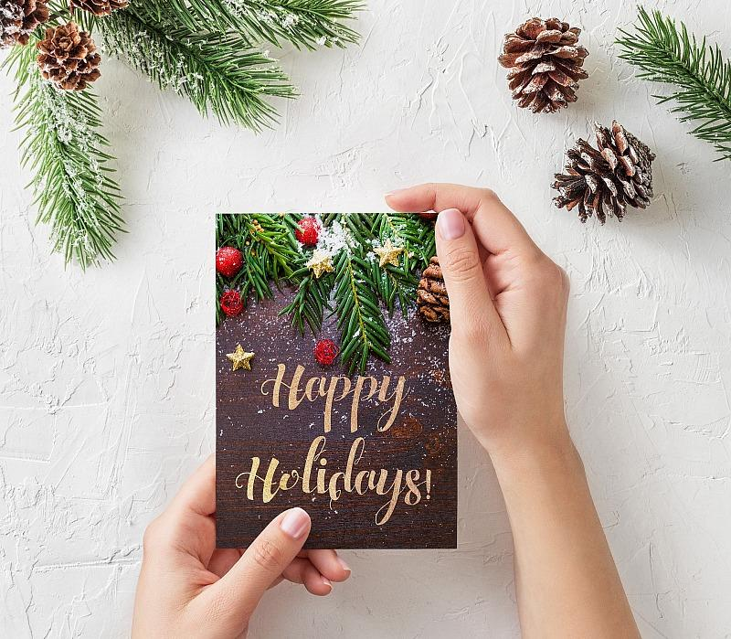 4 Christmas Card Etiquette Tips