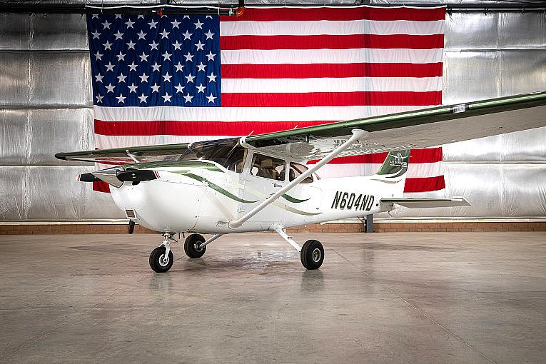 All In Aviation Offers Special Flight Lesson Gift Packages for the Holidays