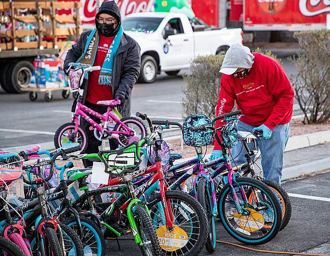 22nd Annual 98.5 KLUC Toy Drive