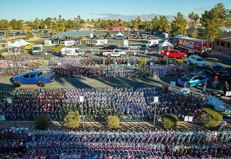 """22nd Annual """"98.5 KLUC Chet Buchanan Show Toy Drive"""" Collects Outstanding Number of Donations Benefitting HELP of Southern Nevada"""