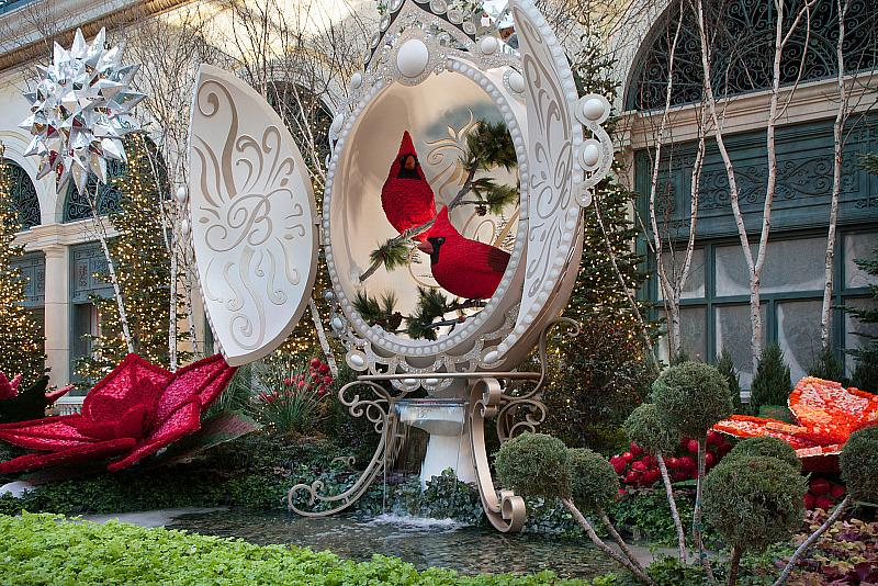"Bellagio's Conservatory & Botanical Gardens Inspires Merry and Bright ""Hopeful Holidays"""