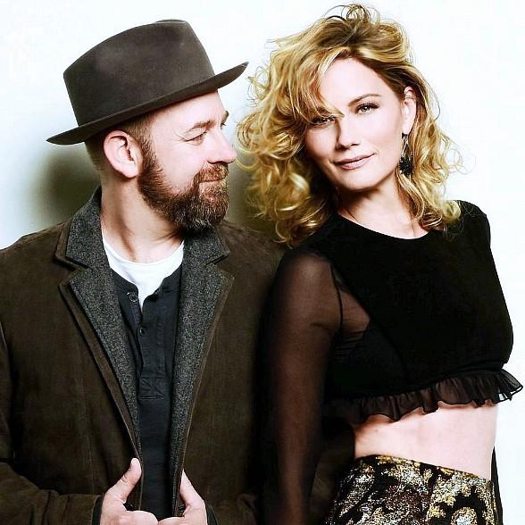 Country Duo Sugarland to Bring