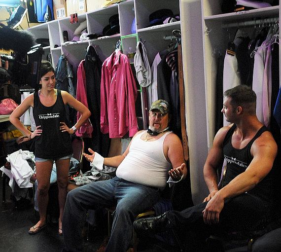 Larry The Cable Guy backstage with the Chippendales dancers