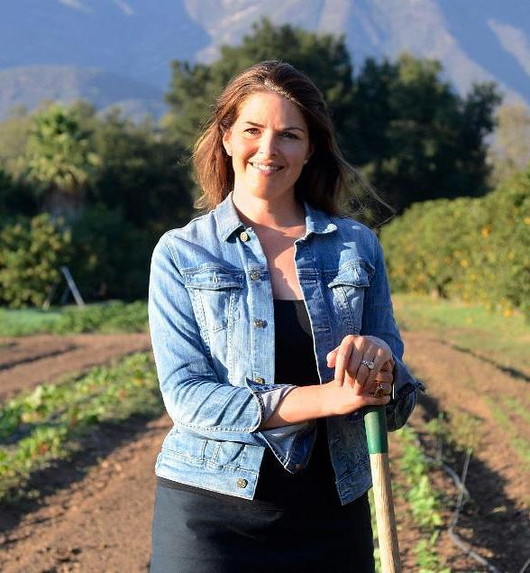 Restauranteur Elizabeth Blau Hosts Special Cape Cod-Inspired Farm Table Dinner to Launch New Honey Salt Cookbook