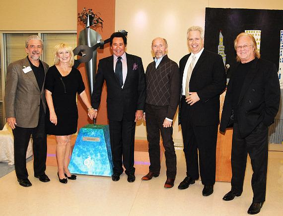 Wayne Newton with Opportunity Village executives