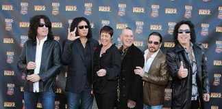 Tommy Thayer, Gene Simmons, Christina Vitagliano, Patrick Vitagliano, Eric Singer and Paul Stanley