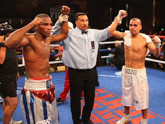 Erislandy Lara fights to a draw with Carlos Molina at Chelsea Ballroom in The Cosmopolitan of Las Vegas