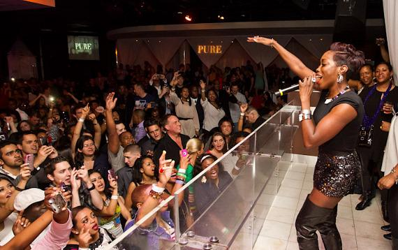Estelle Gives Live Performance at PURE Nightclub