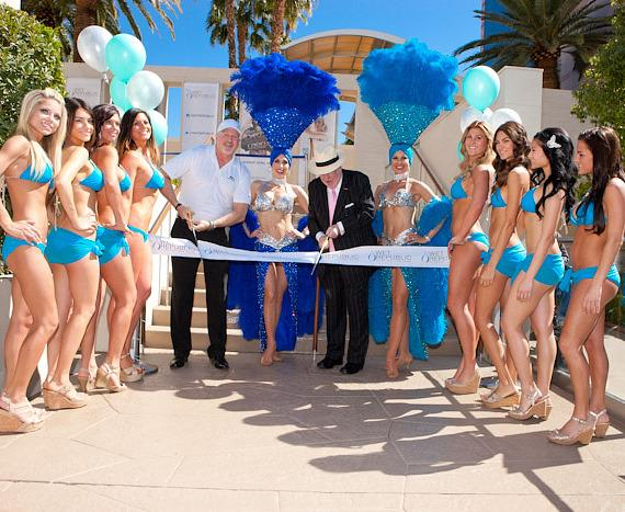 Former Mayor Oscar B. Goodman and Las Vegas Showgirls at WET REPUBLIC