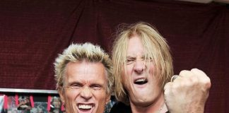 Billy Idol and Joe Elliot hang out following Def Leppard's resident show at The Joint