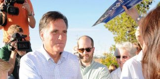 Mitt Romney Officially Opens Las Vegas Campaign Headquarters