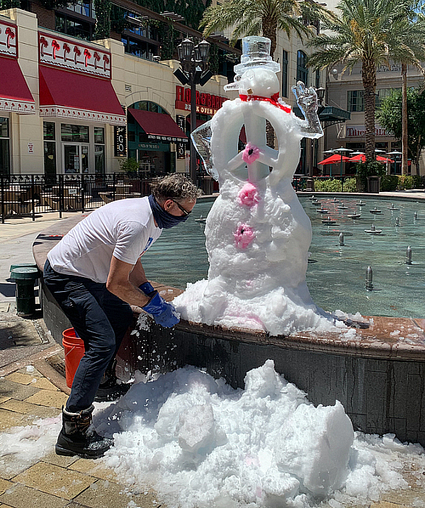 Icebar Celebrates Las Vegas' Reopening; Master Ice Carvers Build Snowman on 108-Degree Day, Put Finishing Touches on Ice Lounge Décor