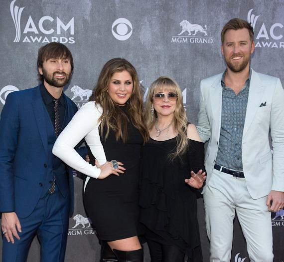 Stevie Nicks (2nd from right) with Dave Haywood, Hillary Scott and Charles Kelley of Lady Antebellum at 49th ACM Awards in Las Vegas
