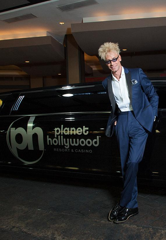 """Murray headlines in """"MURRAY 'Celebrity Magician'"""" at Planet Hollywood in Las Vegas"""