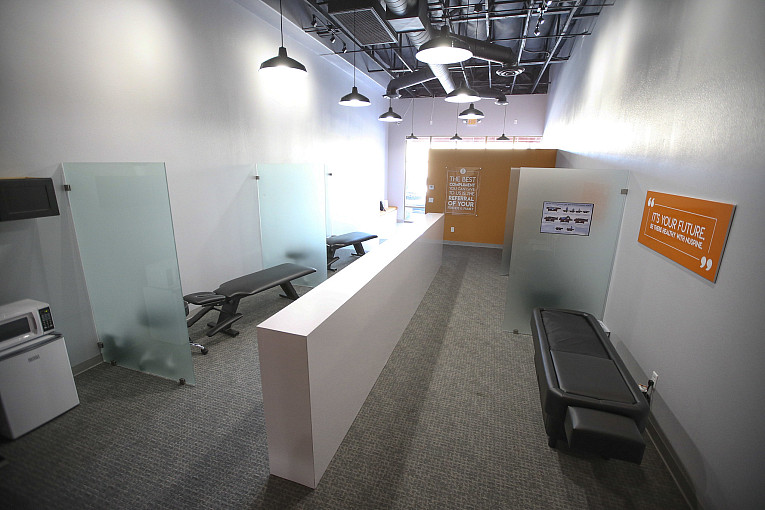 Nevada's First Nuspine Chiropractic Clinic Offers Touchless Hydrotherapy
