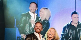 "Ian Ziering Makes Guest Appearance in Olivia Newton-John's ""Summer Nights"" at Flamingo Las Vegas"