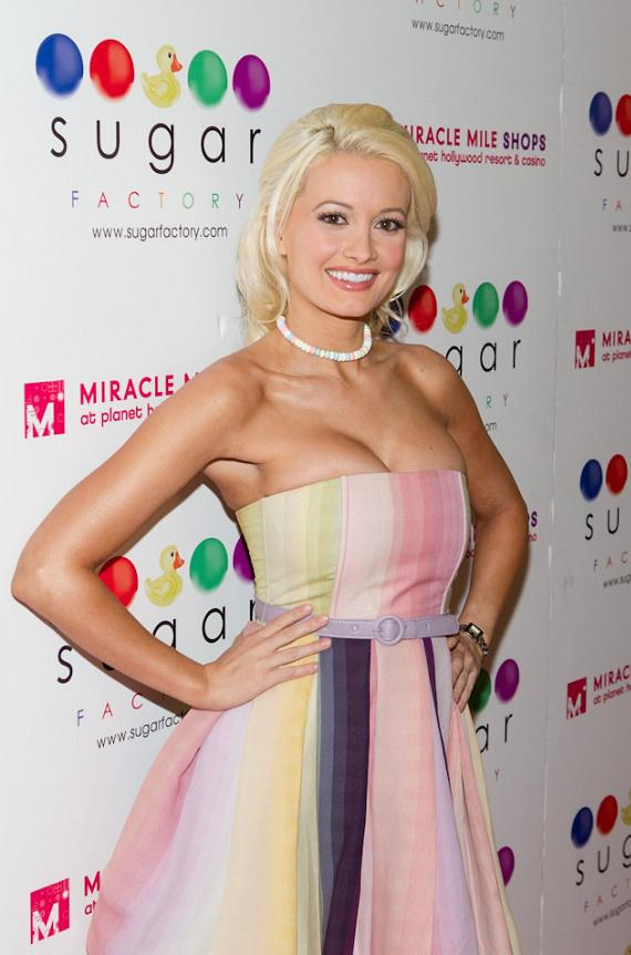 Holly Madison launches signature Line of candy necklaces at Sugar Factory