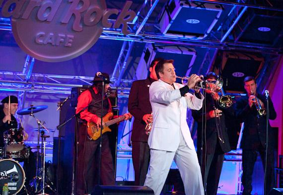 Louis Prima Jr. and The Witnesses featuring Sarah Spiegel at Hard Rock Cafe