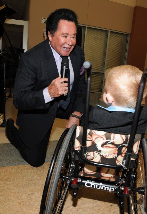 Wayne Newton performs at Opportunity Village