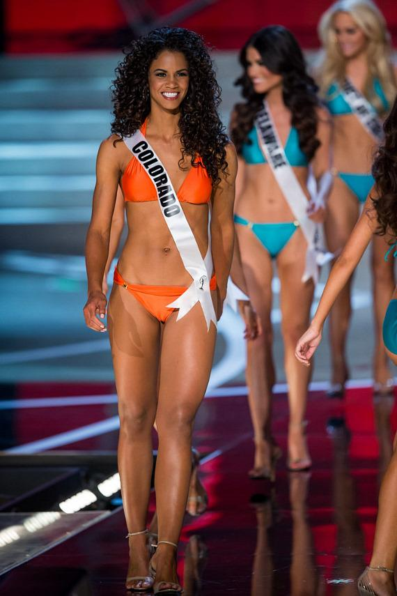 Miss Colorado in Miss USA 2013 swimsuit competition