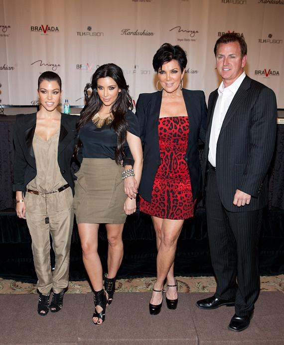 Kourtney Kourtney, Kim Kardashian, Kris Jenner and Scott Sibella [President/CEO of The Mirage]