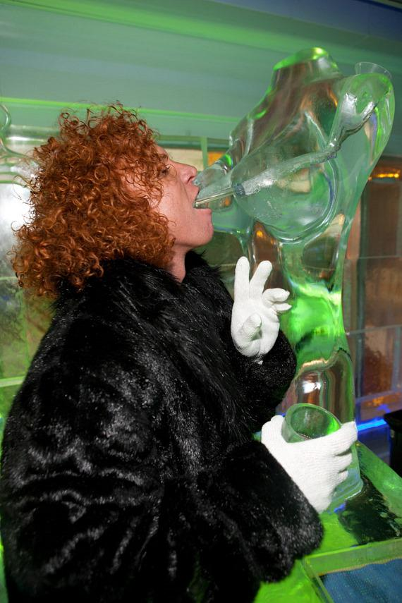 Carrot Top with an ice sculpture bust