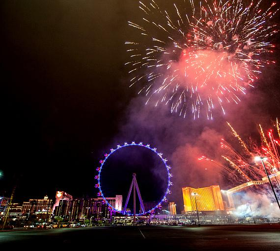 The High Roller with fireworks