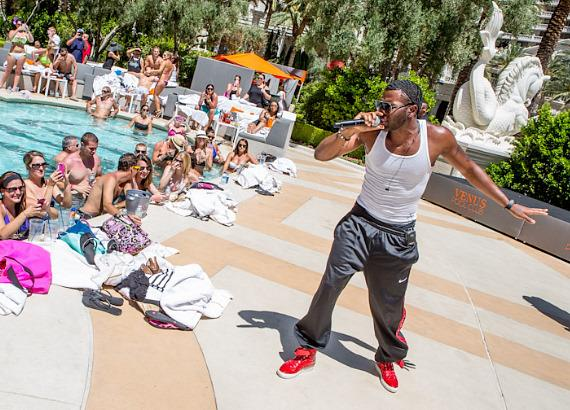 Jason Derulo performs at Venus Pool Club at Caesars Palace Las Vegas