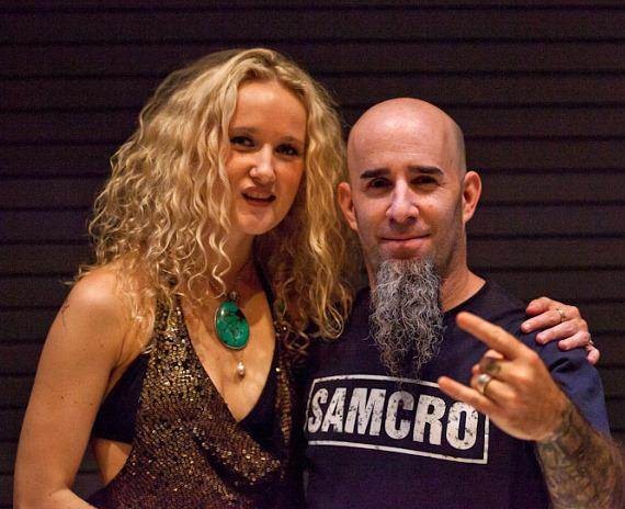 Pearl Aday (Meatloaf's stepdaughter) opened the show. She is pictured with her husband Scott Ian of Anthrax who is also in her band.